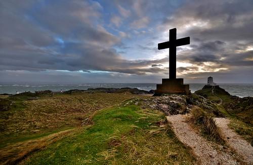 uk light sea sky silhouette wales clouds landscape island coast lowlight nikon britain sigma coastal llanddwyn d90 ukcoast