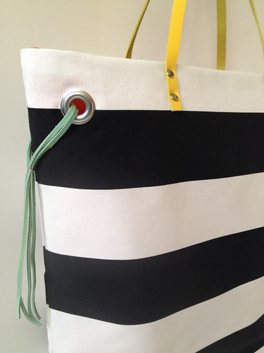 Stripe + Color Tote 17f