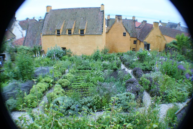 Culross Palace Garden, Fife Coast