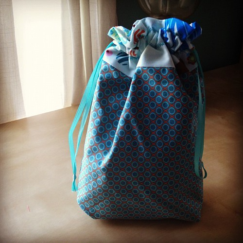 Love making drawstring bags with @jenib320 's great tutorial! #sewing #annamariahorner