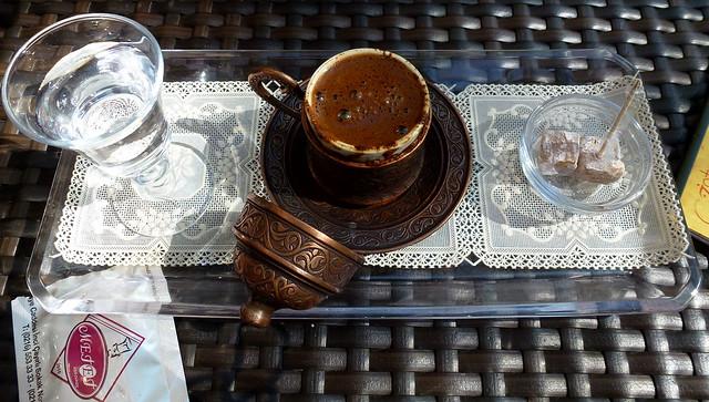Istanbul - avril 2012 - jour 6 - 052 - Üsküdar - Kuzguncuk - café turc