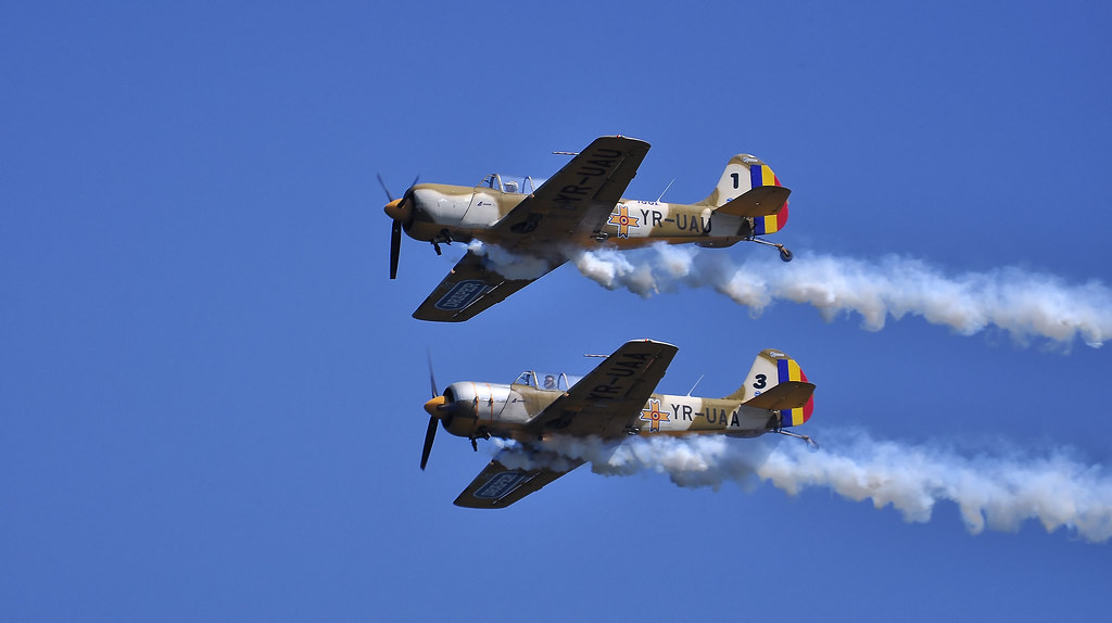AeroNautic Show Surduc 2012 - Poze 7489957692_f3f616e2c6_b