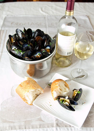 Kokocooks: Mussels with Parsley and Garlic