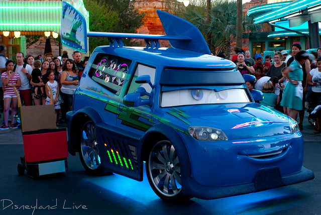 DJ's Dance 'N Drive - Cars Land