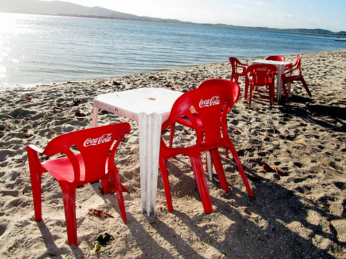 2012-COCA-COLA-CHAIRS-BY-SUNSET-PRAIA-DO-SOL-RIO-DE-JANEIRO by roitberg