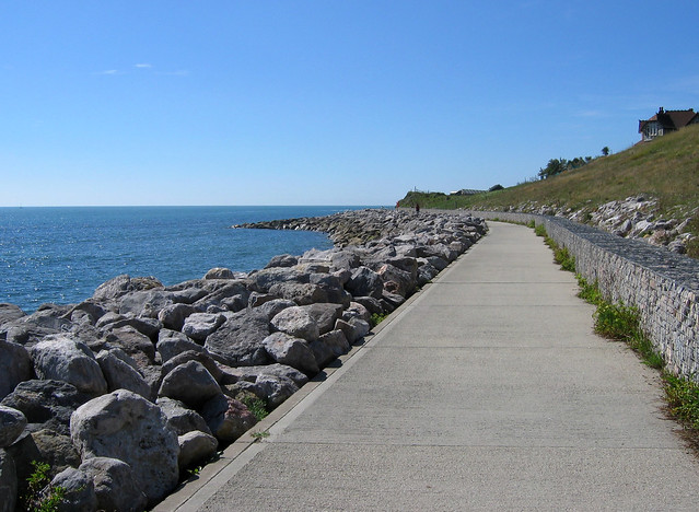 The sea wall between Ventnor and Steephill Cove