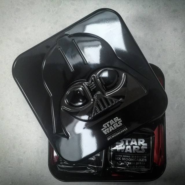 My gift from Hong Kong: Star Wars Mooncakes!