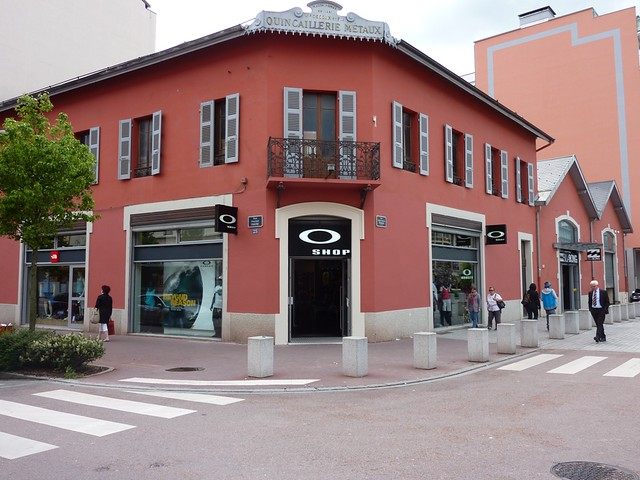 magasin oakley annecy