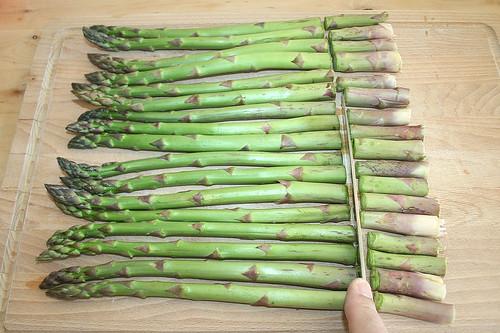 11 - Spargel kürzen / Shorten asparagus