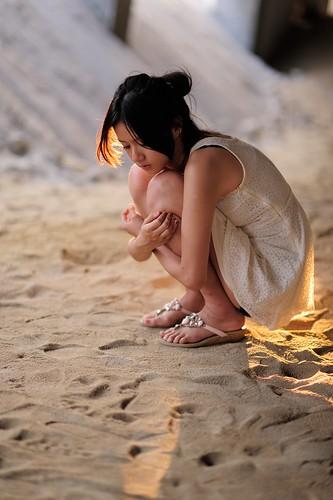 無料写真素材, 人物, 女性  アジア, 落ち込む・憂鬱, 台湾人, ワンピース・ドレス