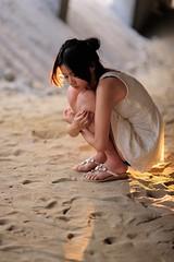 [フリー画像素材] 人物, 女性 - アジア, 落ち込む・憂鬱, 台湾人, ワンピース・ドレス ID:201205161400