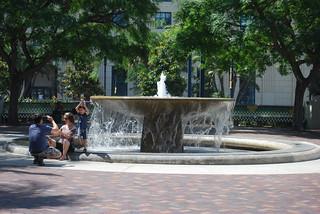 Broadway Fountain görüntü. geotagged sandiegoca nikond40x nikon1855mmvr sandiegocaamtrakstation sandiegocaunionstation