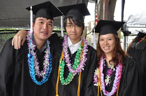 <p>Three proud graduates of UH Hilo celebrate on Saturday, May 12</p>