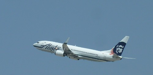 Alaska Airlines Boeing 737-890 jet N564AS in the skies above LAX