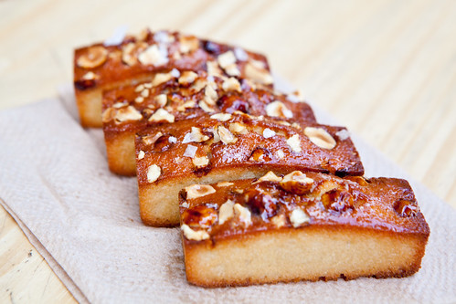 Caramelized hazelnut financiers