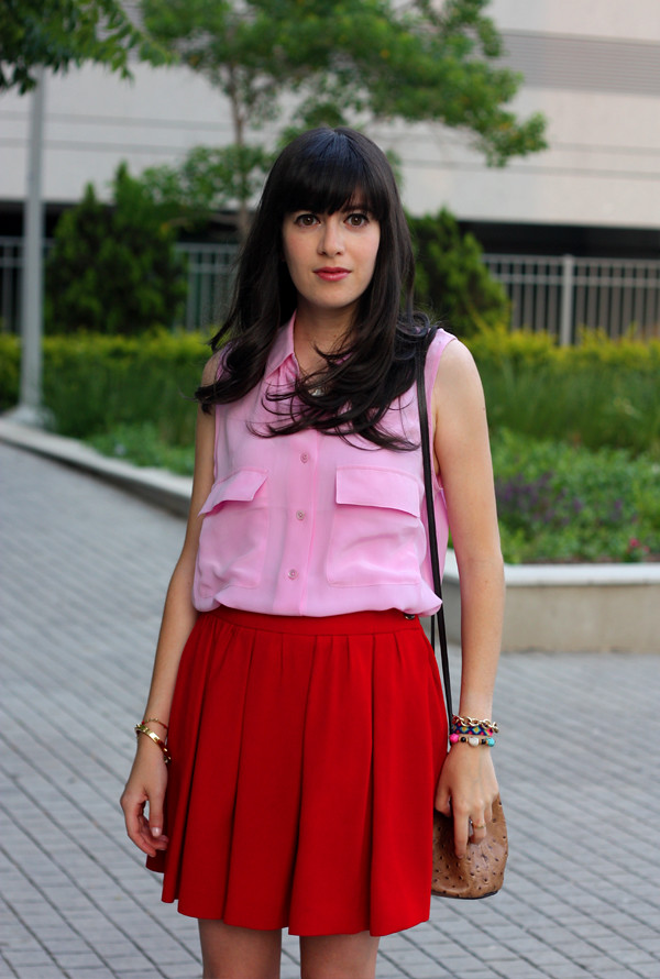 pink_equipment_blouse_red_skirt2