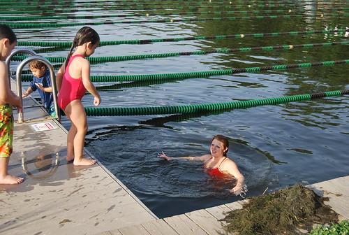 swimming - dive 2