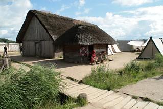 Rahseglertreffen Vorbereitungen - Arno Reinecke in Haithabu - Museumsfreifläche Wikinger Museum Haithabu WHH 12-07-2012