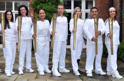 Mexicanos portadores de la antorcha olimpica Londres 2012