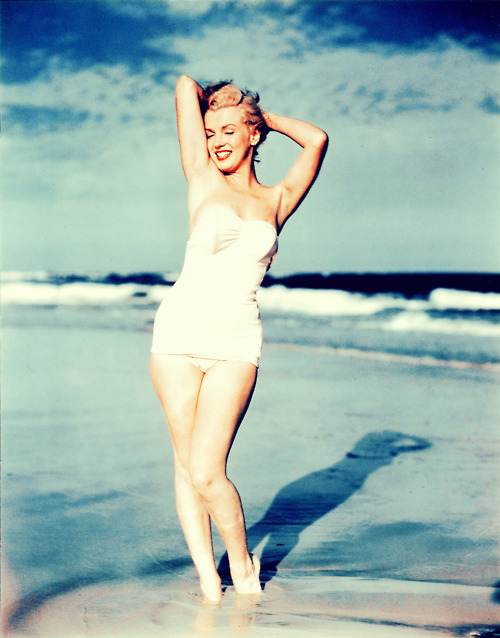 marilyn monroe beach time