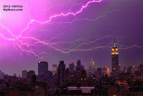 Holy cow! Huge branchy lightning flash fills the midtown NYC skyline