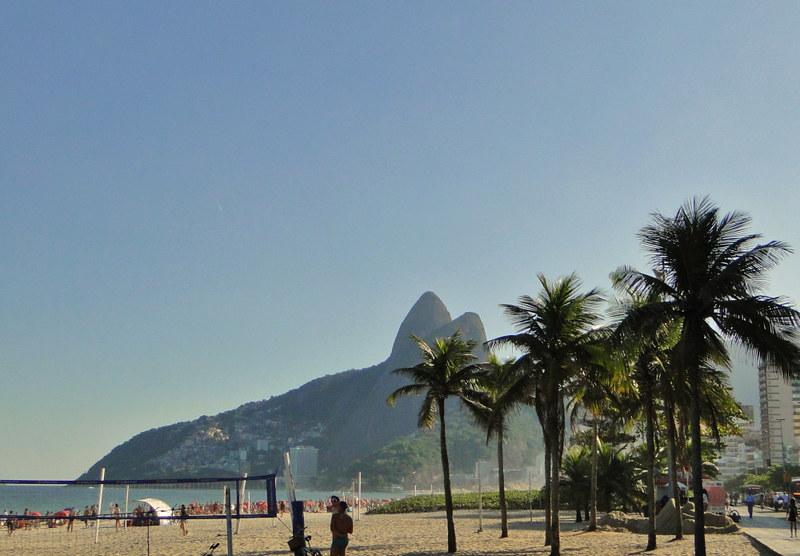 Praia de Ipanema, Dois Irmãos, ao fundo