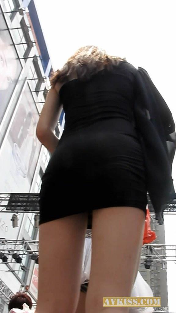 街拍超短裤抄底图片 街拍美女抄底 街拍美女抄底无内裤图片