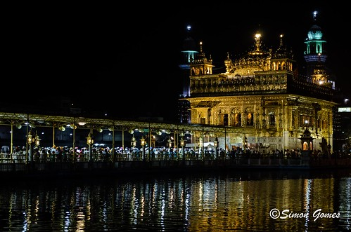 Golden temple at night I