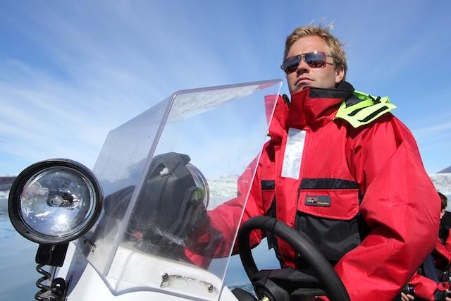 Jokulsarlon boat cruise captain