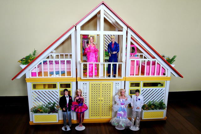 Barbie Dream House Exterior