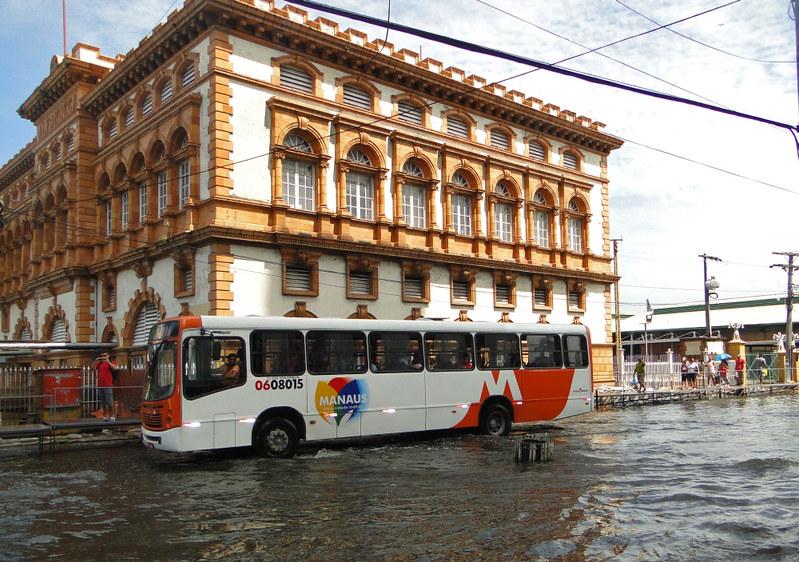 Enchente histórica em Manaus