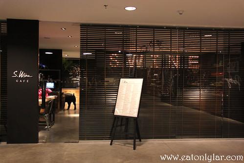 S.Wine Café, Publika