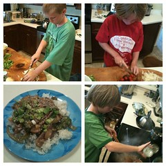 Little helpers #kidsinthekitchen kicking off #FathersDay weekend the right way! #stirfry #recipe