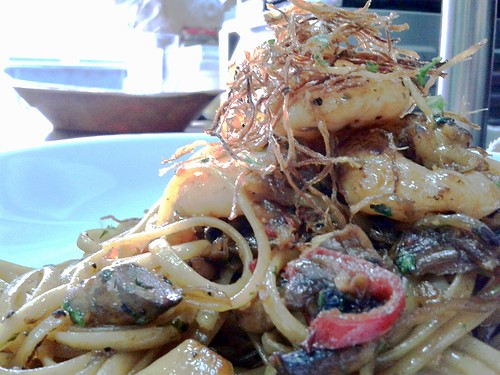 pasta tossed in homemade XO sauce & caramelised shrimp, topped with ginger hay