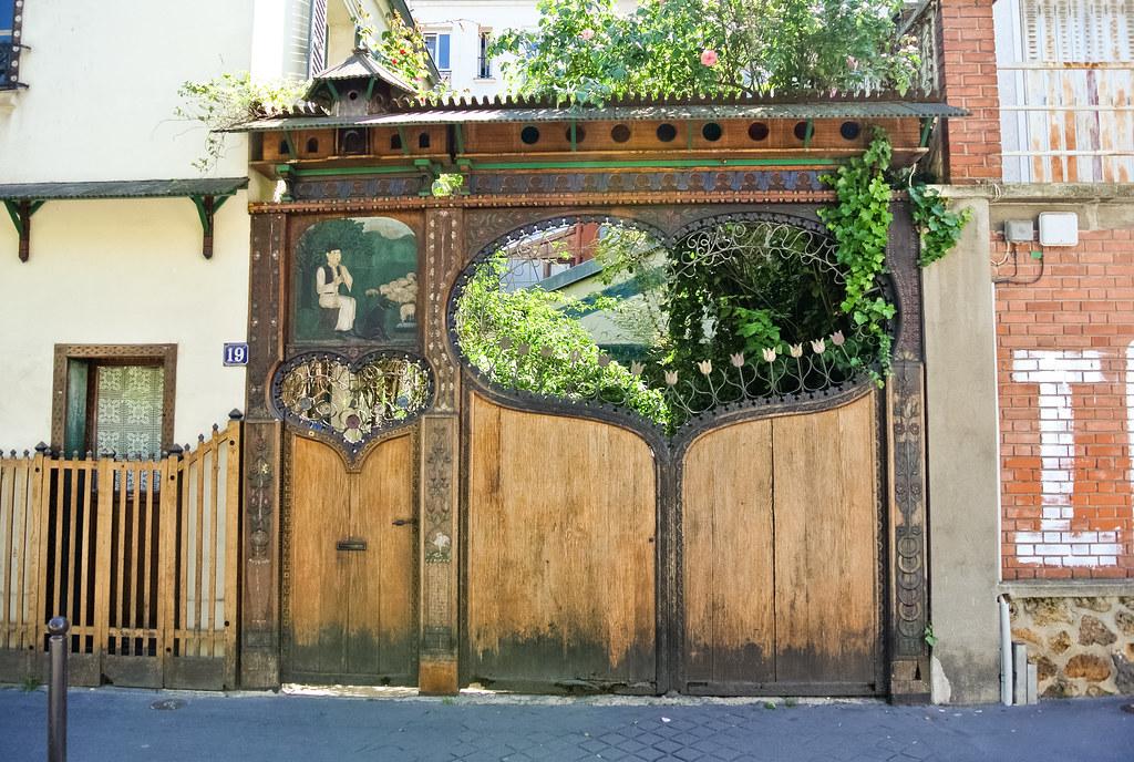 Portail de la Cité Bauer