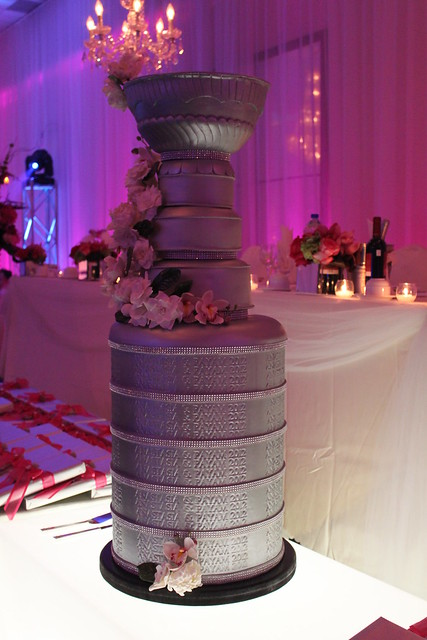 how to make a stanley cup wedding cake is this the best wedding cake for an nhl fan 15860