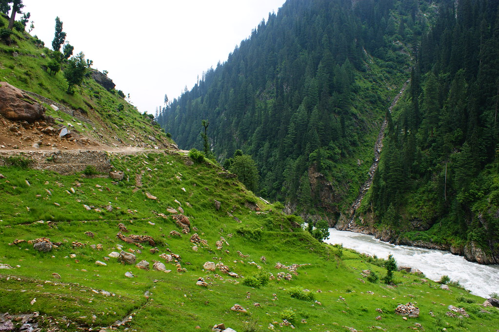 """MJC Summer 2012 Excursion to Neelum Valley with the great """"LIBRA"""" and Co - 7589225292 560167fc0b b"""