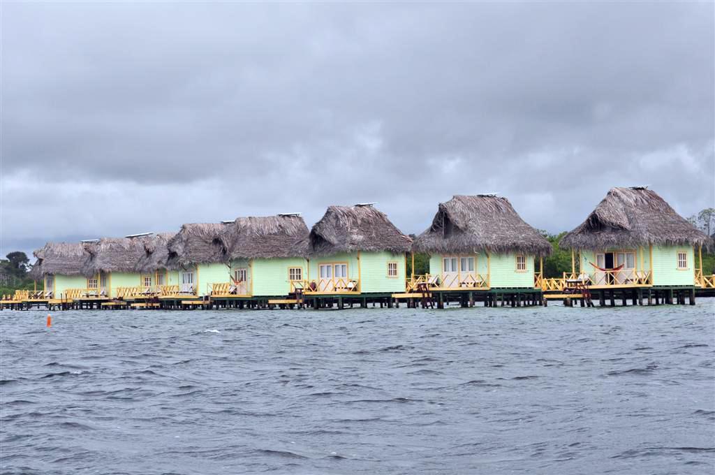 Famoso hotel Punta Caracol, sobre el agua en cabañas individuales, en directo pierde mucho. bocas del toro - 7598251214 e509d18071 o - Bocas del Toro, escondido destino vírgen en Panamá