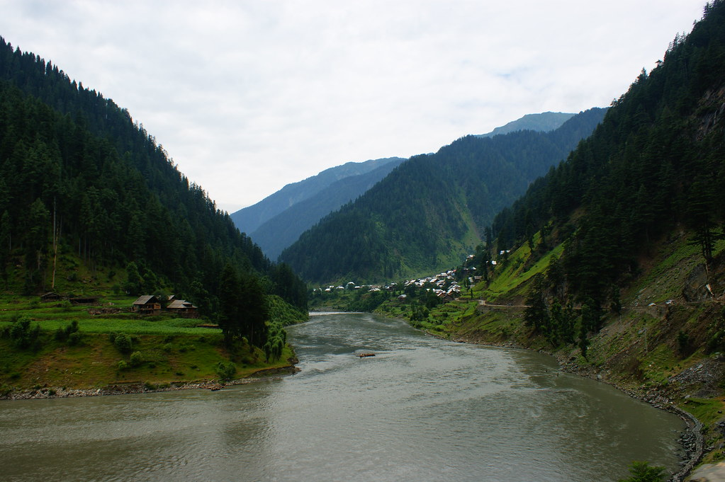 """MJC Summer 2012 Excursion to Neelum Valley with the great """"LIBRA"""" and Co - 7642163054 6cfa5a6447 b"""