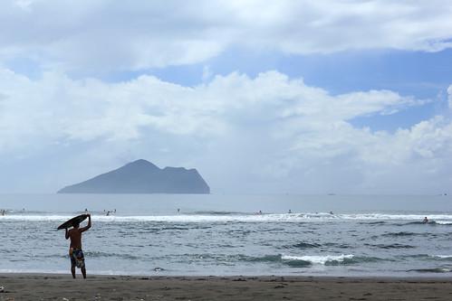 龜山島與衝浪者