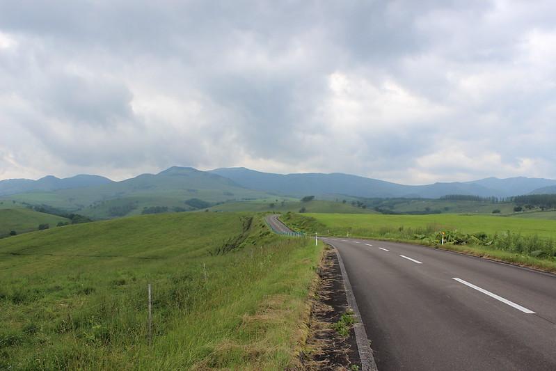 ナイタイ高原のレストハウスへ向かう道