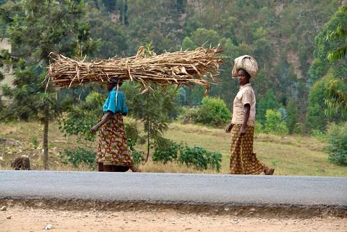 africa road travel people woman work transport rwanda infrastructure urbanism huye 08project 09locationgeotag 01field 03content 04context 17unhasudunhabitat