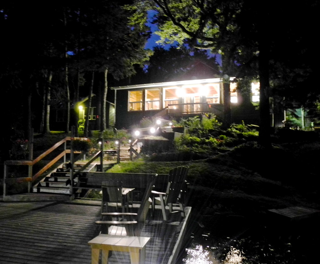 Bartlett Lodge at night