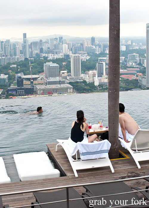 marina bay sands infinity pool singapore