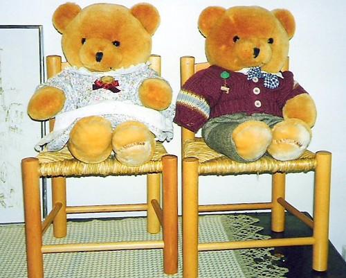 Nallet ja tuolit by Anna Amnell