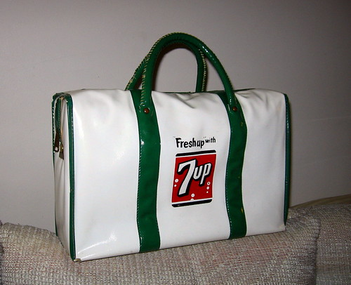 Vintage 7UP cooler bag!