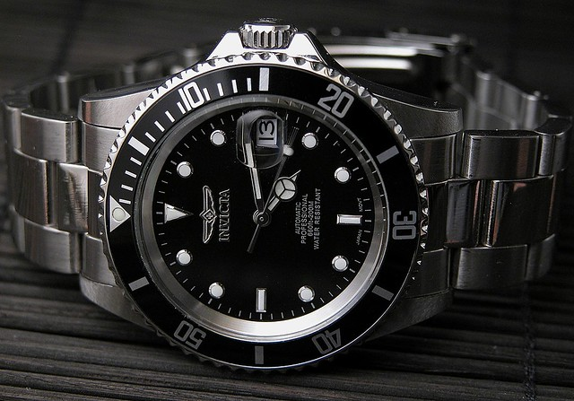 Invicta 8926 face