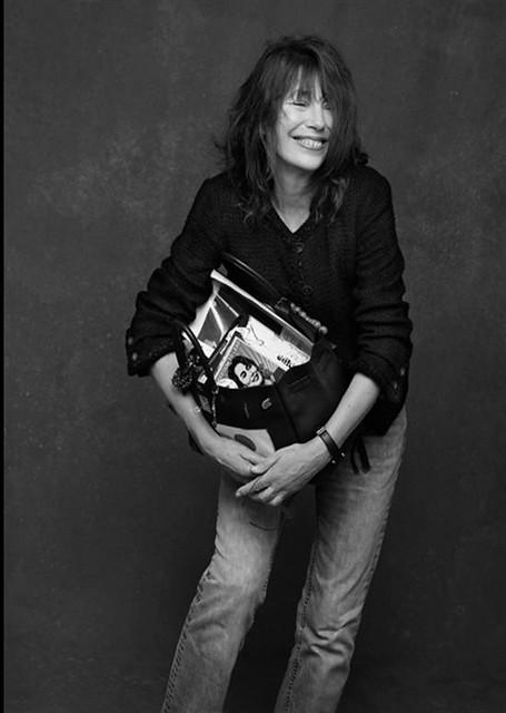 『ミニマリストが普段持つバッグについて』(ジェーン・バーキン と 彼女のバッグ Jane Birkin and her bag from Sara Gambarelli )