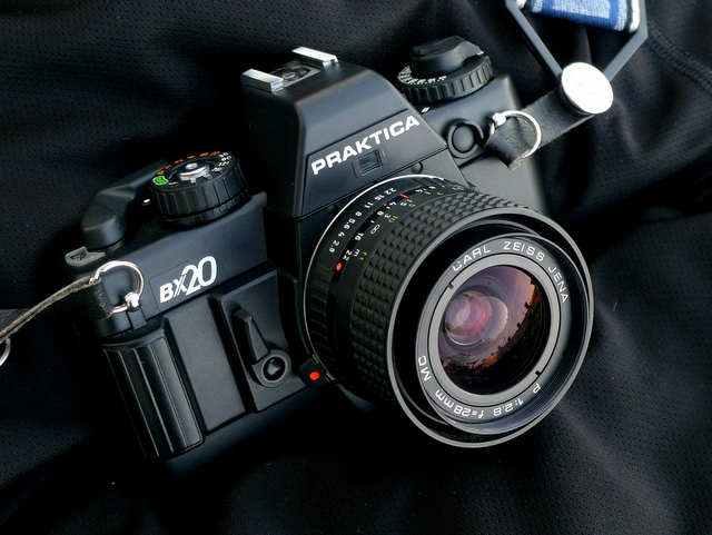 Praktica BX20 и CARL ZEISS JENA P 1:2.8 f=28mm  MC Фото Paulo Moreira by Flickr