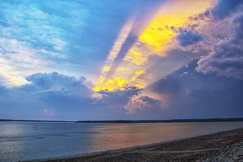 [フリー画像素材] 自然風景, 空, 雲, 河川・湖, 薄明光線, 風景 - アメリカ合衆国 ID:201210081600